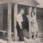 Vladas Semėnas su dukra Genovaite. Vidmanto Semėno šeimos rinkinys.