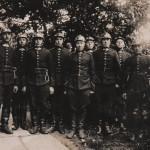Kalvis Vladas Semėnas ugniagesių tarnyboje (antras iš kairės). Vidmanto Semėno šeimos rinkinys.