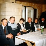 A. Puodžiukas, A. Abraškevičius, O. Simonavičienė, J. Dailydė, R. Lesnikauskienė ir E. Laurinavičius muziejaus konferencijoje, 1996 m. Iš Arklio muziejaus rinkinių.