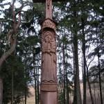 Kryžius Pienagalio kapinėse, Anykščių r., 2003 m. Jonas Tvardauskas. Iš Arklio muziejaus fondų