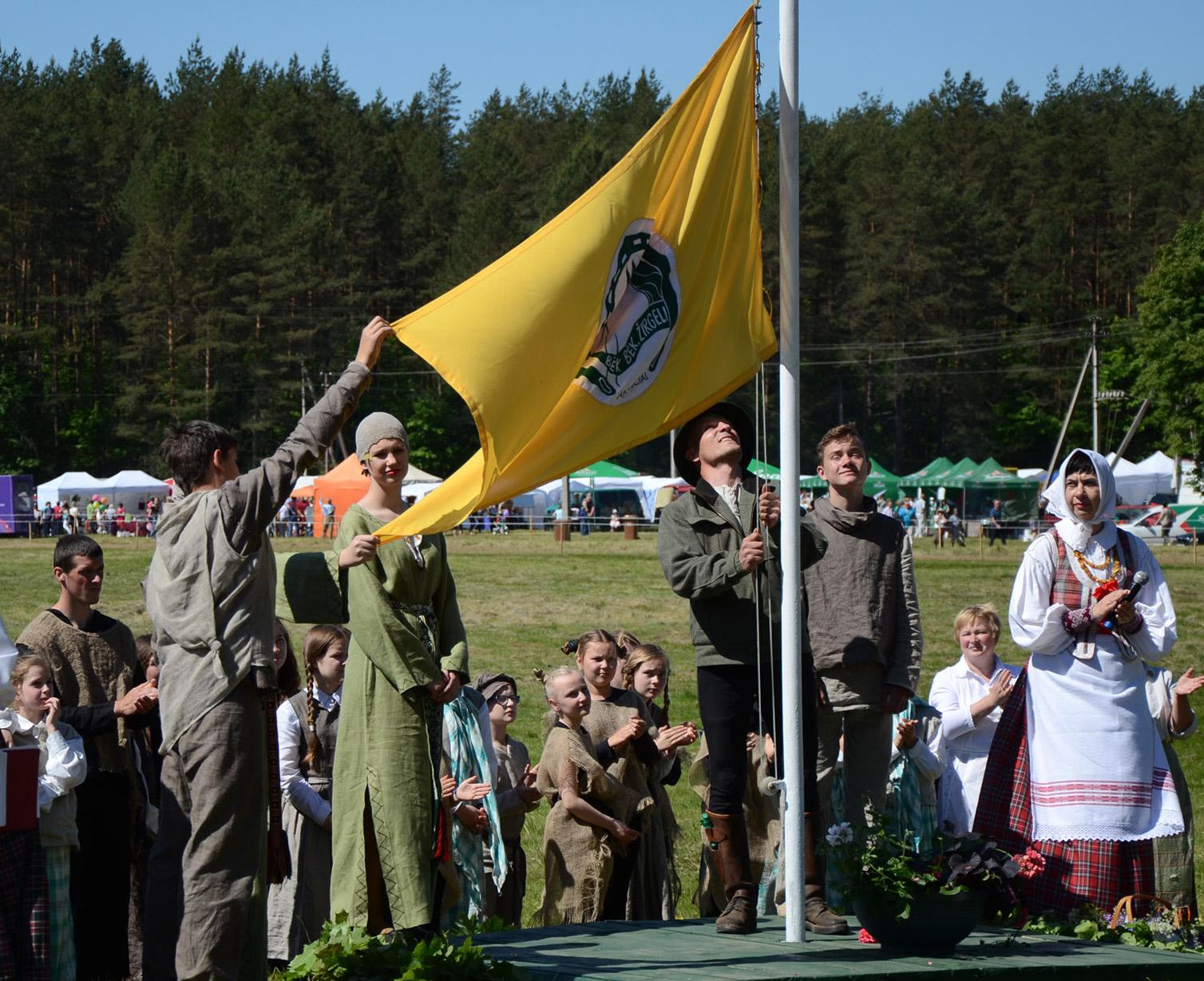 2015 m. šventės vėliavos kėlimo ceremonija. M. Karčemarsko nuotr.