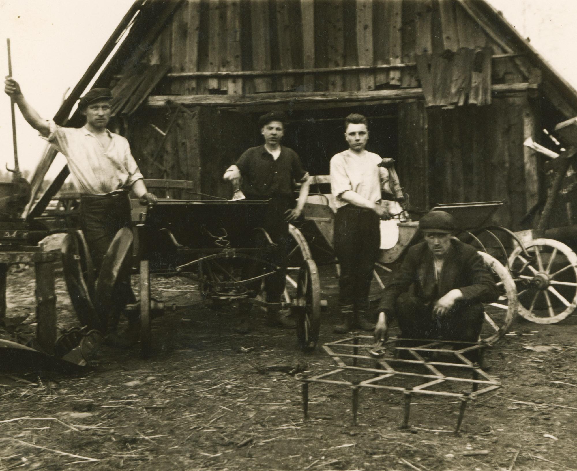 Kalvė, Anykščių r. Iš Arklio muziejaus fondų