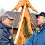 Skulptorius Kęstutis Krasauskas ir agronomas Bernardas Šakėnas. M. Karčemarsko nuotr.