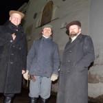 Raiteliai Vaidotas Digaitis, Liudas Augaitis ir Česlovas Marcinauskas  prie Aušros vartų (iš kairės).