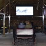 """Dokumentinio filmo """"Kelionė kartu"""" peržiūra Arklio muziejuje. M. Karčemarsko nuotr."""