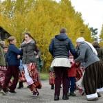 A. Vienuolio progimnazijos vaikų folkloro ansamblis. Vad. V. Mikučionytė. M. Karčemarsko nuotr.