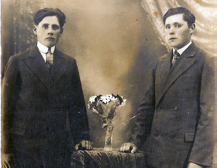 Broliai Petras Ir Povilas Andriuškevičiai. E. Bujokienės šeimos nuotr.